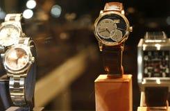 Almacén de los relojes del lujo Fotos de archivo