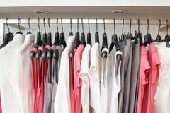 Almacén de ropa Imagen de archivo
