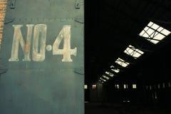 Almacenaje con la puerta del hierro Fotografía de archivo