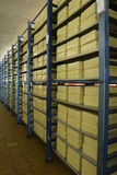 Almacenaje del queso en lechería Foto de archivo libre de regalías