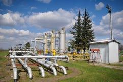 Almacenaje y tubería de gas Foto de archivo libre de regalías