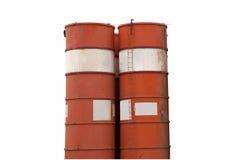 Almacenamiento de gasolina y tubería aislados Imagenes de archivo