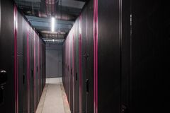 Almacenamiento de la nube de un centro de datos grande imagen de archivo libre de regalías