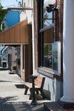 Almacene los frentes en pequeña ciudad Foto de archivo libre de regalías