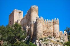 Almansa slott i Albacete av Spanien arkivbilder