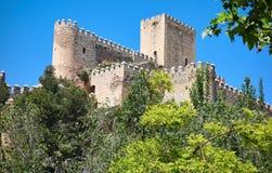 Almansa slott i Albacete av Spanien royaltyfri foto