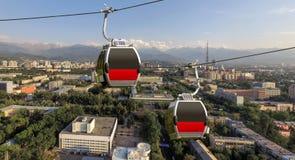 Almaty - due cabine del funicolare Immagini Stock