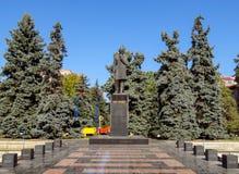Almaty - estátua do escritor Shokan Valikhanov do kazakh Imagem de Stock