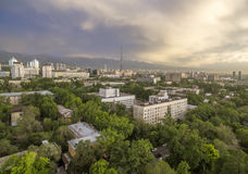 Almaty - flyg- sikt Arkivfoto