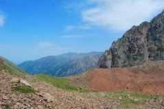 Almaty gór krajobraz na letnim dniu Fotografia Royalty Free