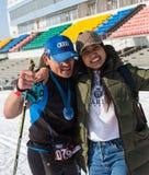 ALMATY, IL KAZAKISTAN - 18 FEBBRAIO 2017: concorsi dilettanti nella disciplina di sci di fondo, sotto il nome di Immagine Stock Libera da Diritti