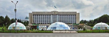 Almaty, il Kazakistan - la costruzione dell'amministrazione della città al Fotografia Stock