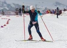 ALMATY KASAKHSTAN - FEBRUARI 18, 2017: amatörmässiga konkurrenser i disciplinen av längdlöpning, under namnet Royaltyfri Foto