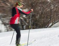 ALMATY KASAKHSTAN - FEBRUARI 18, 2017: amatörmässiga konkurrenser i disciplinen av längdlöpning, under namnet Royaltyfria Foton