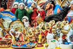 Almaty Kasakhstan: traditionella souvenir Fotografering för Bildbyråer