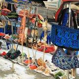 Almaty Kasakhstan: traditionella souvenir Arkivfoto