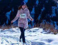 ALMATY KAZACHSTAN, KWIECIEŃ, - 09, 2017: Amatorskie rywalizacje - Halny maraton w pogórzach Almaty, na Obrazy Stock