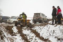 Almaty Kazachstan, Luty, - 21, 2013. Droga ściga się na dżipach, Samochodowa rywalizacja, ATV. Tradycyjna rasa Obraz Stock