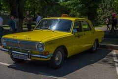 ALMATY KAZACHSTAN, MAJ, - 9: Stary sowiecki samochód przy zwycięstwo dnia celebra Zdjęcie Stock
