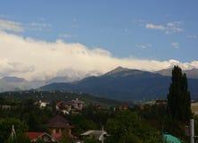 Almaty miasto z górami Fotografia Stock