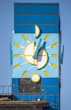 Almaty - orologio principale della costruzione della posta centrale Fotografie Stock Libere da Diritti