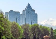 Almaty - tau di Nurly del centro di affari Immagini Stock Libere da Diritti