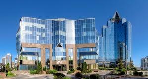 Almaty - tau di Nurly del centro di affari - panorama Fotografie Stock Libere da Diritti