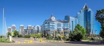 Almaty - tau di Nurly del centro di affari - panorama Fotografia Stock