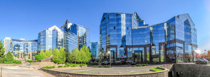 Almaty - tau di Nurly del centro di affari - panoramica Fotografia Stock Libera da Diritti