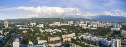 Almaty - vista aerea panoramica Fotografie Stock Libere da Diritti