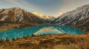 almaty wielkie jezioro Fotografia Royalty Free