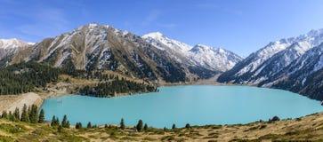 almaty wielkie jezioro obraz stock
