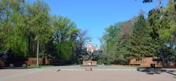 Almaty zwycięstwa pomnik na słonecznym dniu Zdjęcia Stock