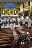 almemar的比马和犹太教堂的内部,由木头制成 库存照片
