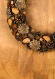 Almendras Anise Stars Hazel de los conos del pino de la decoración de la guirnalda de la Navidad Fotos de archivo