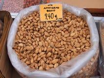 Almendras frescas, mercados de Atenas Imagen de archivo