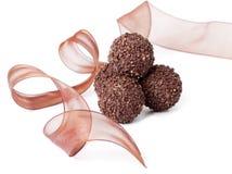 Almendras garapiñadas del chocolate imagen de archivo