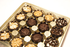 Almendras garapiñadas deliciosas del chocolate Imagenes de archivo
