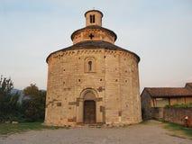 Almenno San Bartolomeo, Bergamo, Italië Het Boekdeel van kerkrotonda San stock afbeeldingen