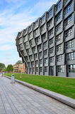 Almere, Nederland - Mei 5, 2015: Flatgebouw de 'Golf' in dit moderne stadscentrum van Almere Royalty-vrije Stock Afbeeldingen