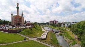 Almetyevsk中央清真寺  池塘小瀑布在重建前的 库存照片