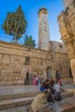 Alminar de la mezquita de Omer en Jerusalén Foto de archivo