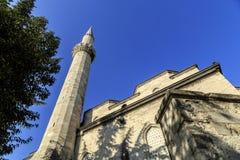 Alminar de una de las mezquitas en Estambul fotos de archivo libres de regalías