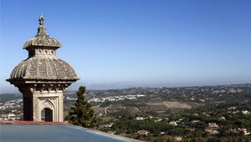 Alminar y Mountain View del palacio de Monserrate Fotos de archivo libres de regalías