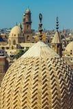 Alminares en el distrito viejo de El Cairo imagen de archivo libre de regalías