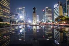 Almirante Yi Sun Sin da estátua no quadrado de Gwanghwamun em Seoul, Coreia do Sul fotos de stock