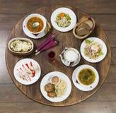 Almoço de negócio em uma mesa redonda do vintage quarta-feira fotografia de stock royalty free