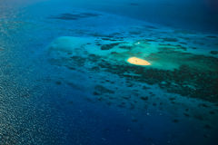 Almofada de aterragem do helicóptero do Cay de Upolu imagens de stock