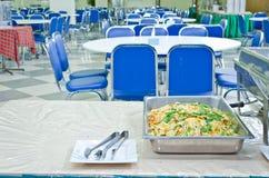 Almofada tailandesa tailandesa, macarronetes do alimento da fritada do Stir com camarão   imagem de stock royalty free