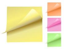 Almofadas de nota coloridas que descascam acima Fotos de Stock Royalty Free